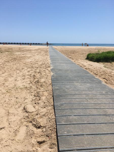 pasarela playa plastico reciclado